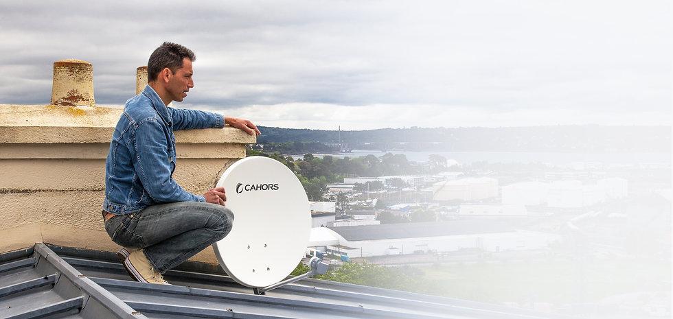 Manuel Veillon Techni'Sat antenniste professionnel sur les toits de Brest