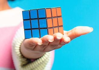 Le Rubik's Cube jeu de réflexion et d'adresse