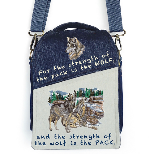 CANVAS MESSENGER BAG The Strength of the WOLF