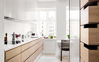 renovering af lejlighed, arkitekttegnet tegnet køkken, snedkerlavet køkken