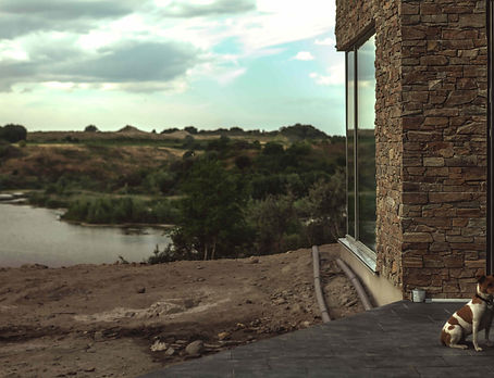 modern arkitekttegnet, arkitektur i naturen, store glaspartier