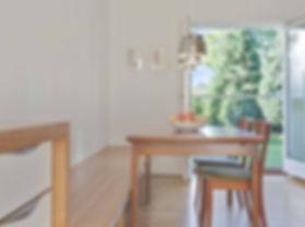 Ombygning og renovering af murermestervilla, Cool lys nordisk bolig, nordisk boliger, arkitekttegnet køkken, transformering af hus fra 40'erne, renoveringsprisen