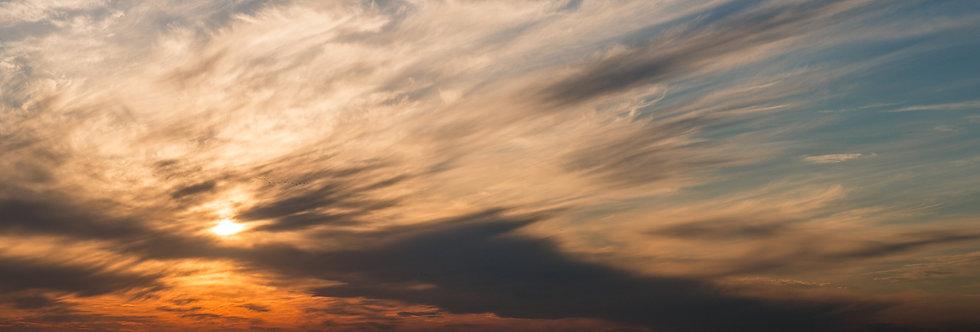 עננים מרוחים בים