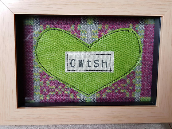 Chwaethus - Melin Tregwynt frame Cwtsh (Hug) Green