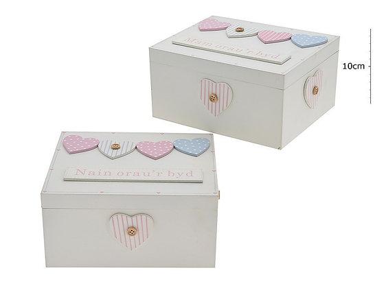 Welsh heart wooden box  - Mam/Nain Orau'r Byd