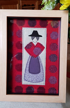 "Chwaethus 8"" x 6"" Welsh lady ""Branwen"" frame - Red/Purple"