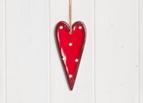 Ceramic red hanging heart with white star 13cm