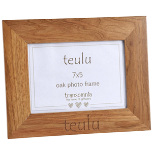 "Ffram Ffoto Derw ""Teulu"" Oak Photo Frame"