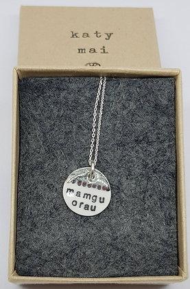 Katy Mai Mwclis Cymraeg Mini Crwn / Mini Round Welsh Necklace - Mamgu Orau