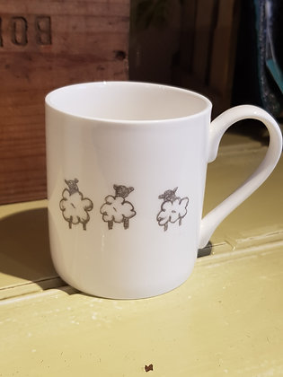 Defaid (Sheep)  Standard Round China Mug