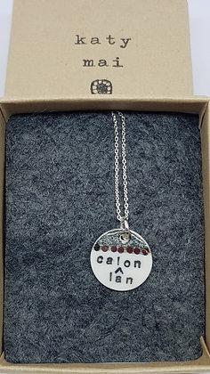 Katy Mai Mwclis Cymraeg Mini Crwn / Mini Round Welsh Necklace - Calon Lan