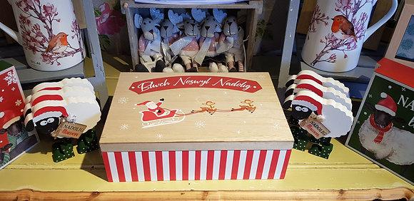 Blwch Noswyl Nadolig - Welsh Christmas Eve box