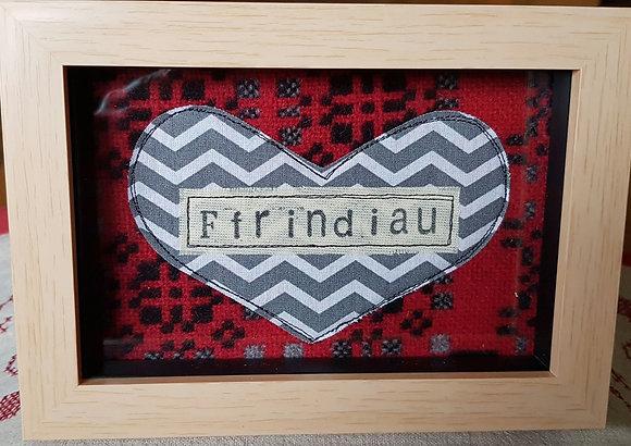 Chwaethus - Melin Tregwynt frame Ffrindiau (Friends) Red