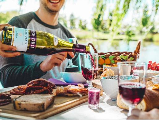 Médias sociaux 2021 : Avec la distanciation en 2020 s'ajoutent d'autres défis pour les marques vin.
