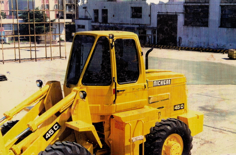 1986 -CABS FOR HEAVY-MACHINES