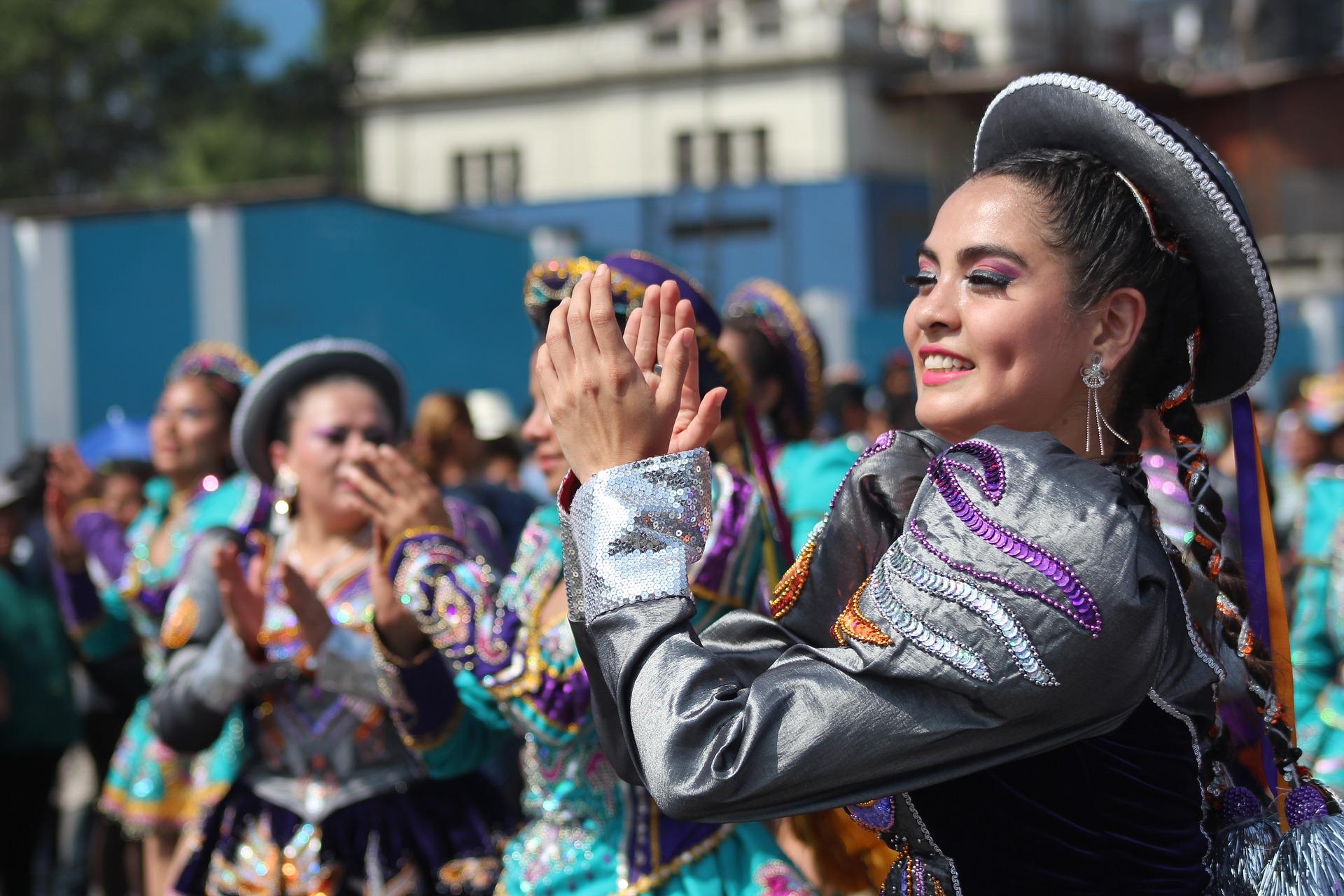mujer-peruana-1890424_1920