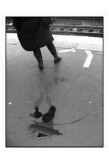 La_flaque_du_métro_(St_Lazare_-_Paris).jpg