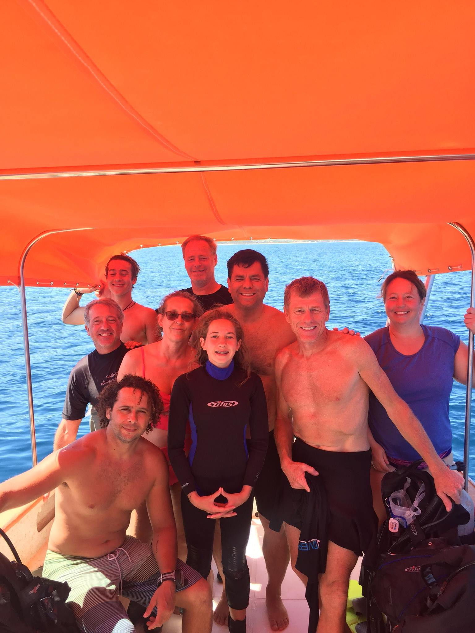 CaliDivers doing Cabo Pulmo the way it should be done - as a happy and safe team!