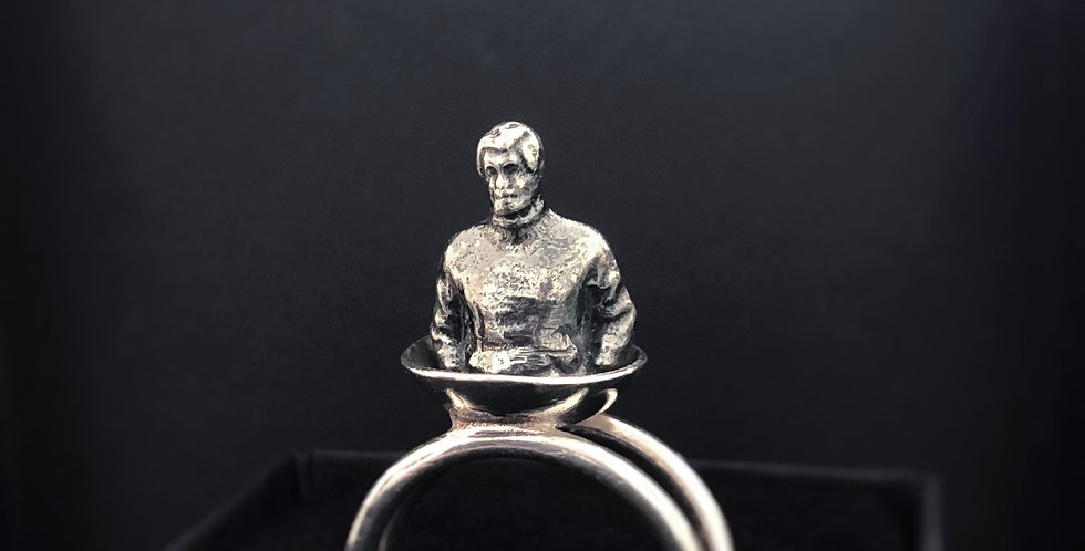 Humanus Dude, ring