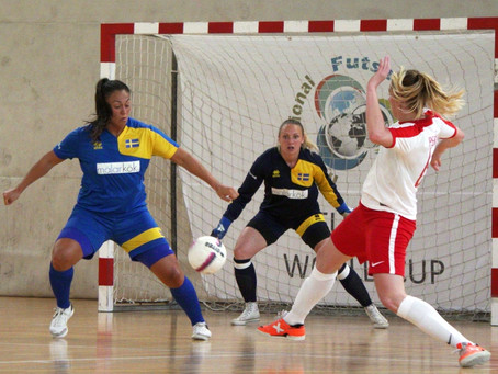 Sweden through to the semis at expense of Les Filles