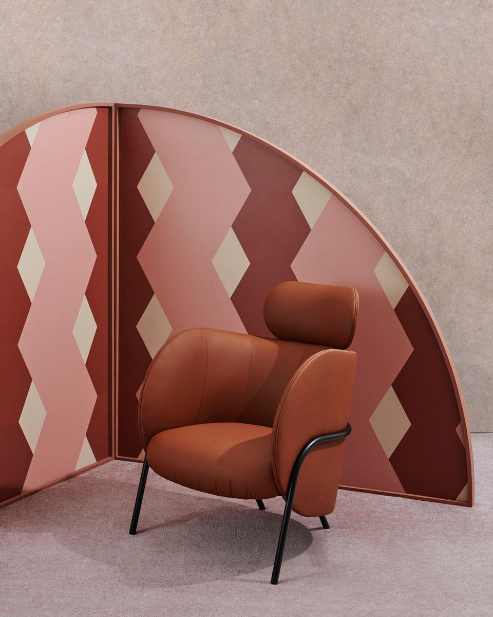 SP01 Royce Armchair With Headrest