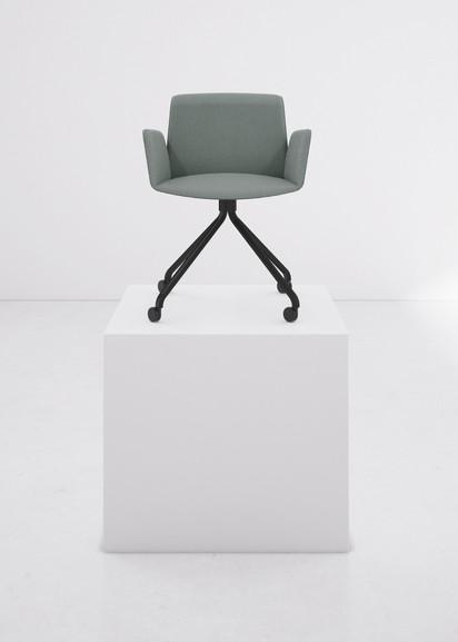Punt Hug Chair