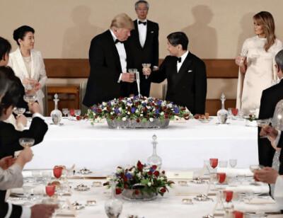 宮中晩餐会の様子