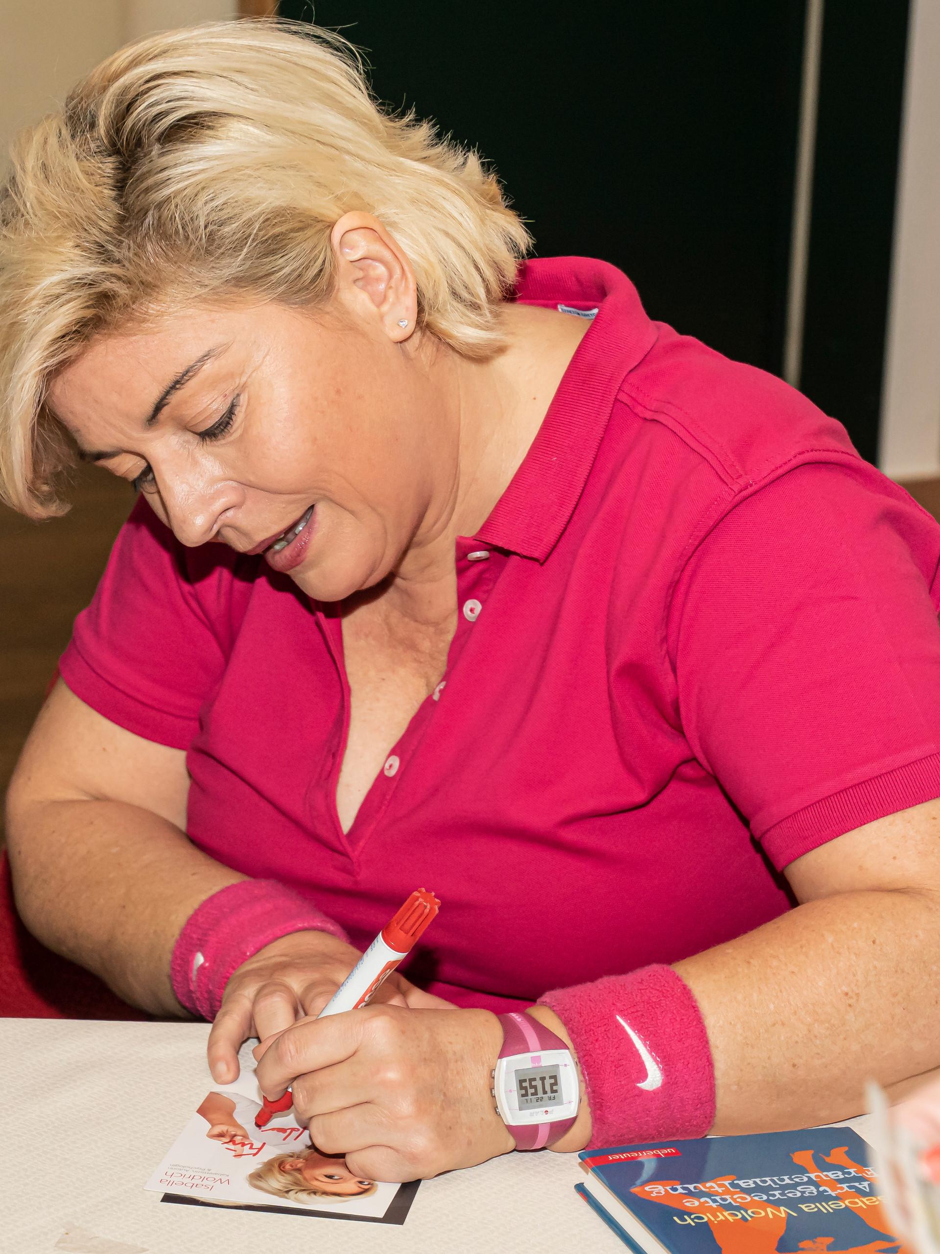 Autogrammstunde am Büchertisch