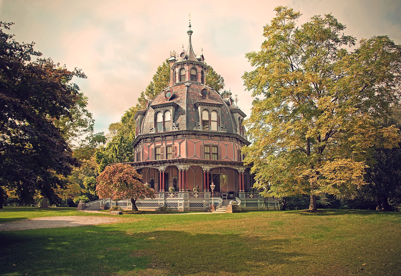 Historic House Tours | The Octagon House | United States