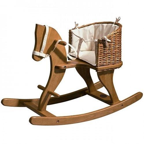 caballito de madera con cesta