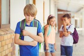 Einnässen in der Schule. Unterstützung von Lehrern