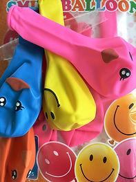 Blasentraining Bettnässen Urifoon, Fröhliche Luftballons bei der Erklärung der Blase.