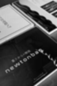 PEAPDESIGN,ピープデザイン,ピープ,PEAPデザイン,石川看板,いしかわけんかんばん,看板設置修理,日本全国看板,看板製作,看板製造,ステンレスサイン,LEDサイン,UV印刷,インクジェットプリント,UVプリント,グラフィックデザイン,CSサイン,切文字サイン,石川県,サイン,sign,neon,ネオン,看板デザイン,屋外広告士,DRONE,ミマキ,MIMAKI,クレーン作業,大型看板,パチンコ看板,ステンレス加工,leica,ライカ,福井県看板,富山県看板,北陸看板, 東京都看板,京都市看板,大阪市看板,ニュートン,NEWTONBAG,BAG,バッグ,アクリル額装,
