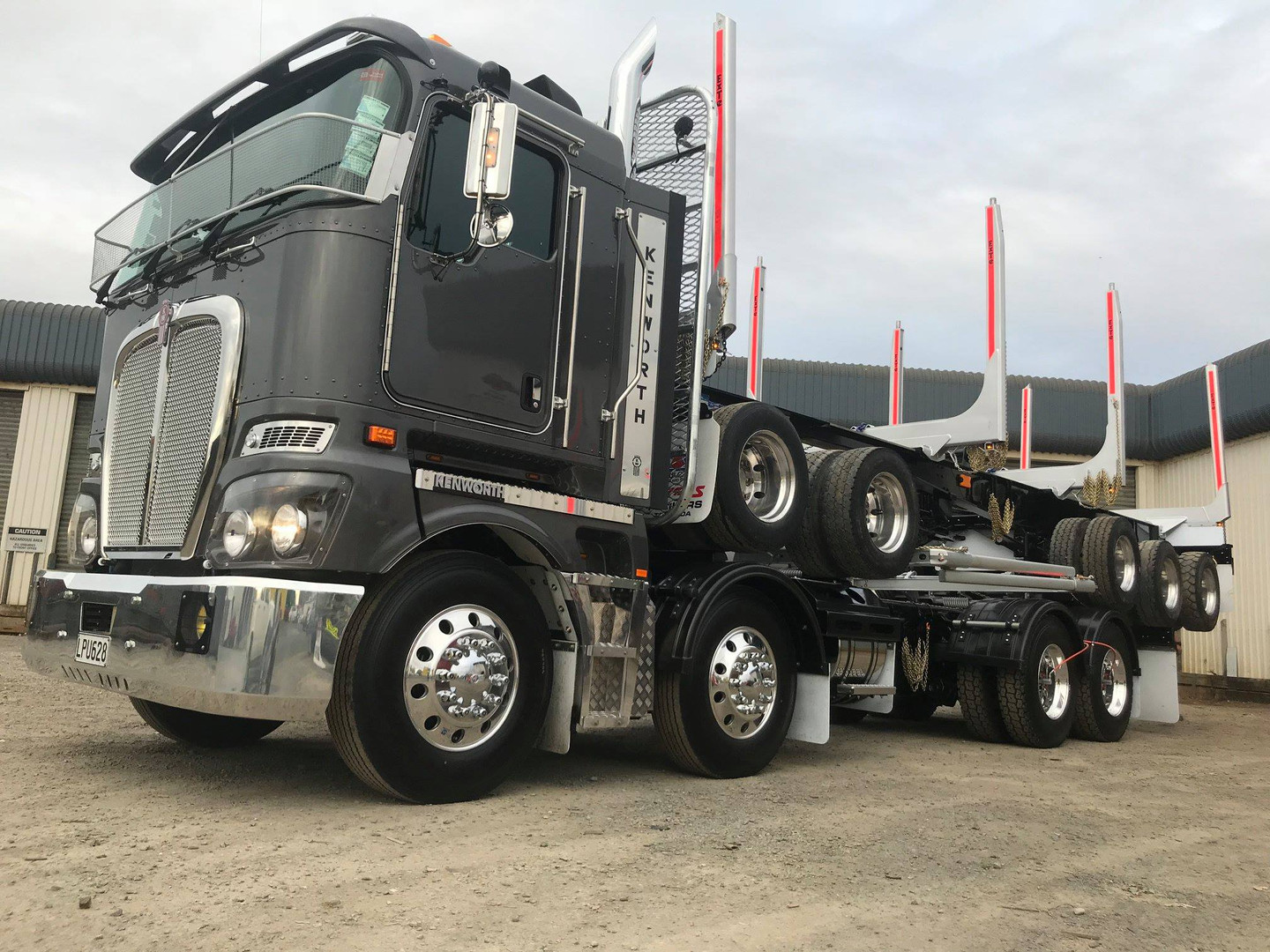 KW K200 with 5 axle trailer