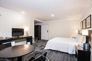 3. hotel.jpg