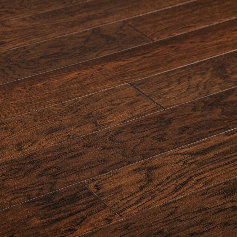 15239025-patina-american-Hickory-comp