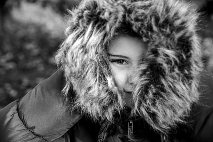 Close up van meisje in winterjas
