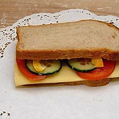 Ruchbrot Sandwich mit Käse