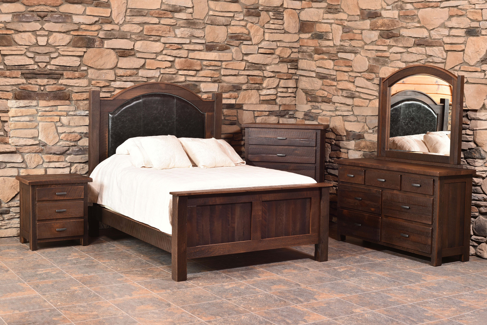 Quincy - Barnwood Collection