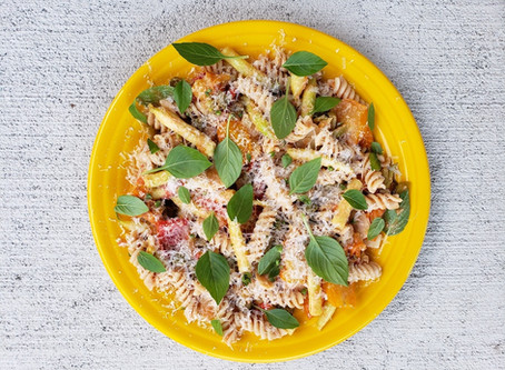 Spelt Fusilli pasta with yellow string beans and mixed cherry tomatoes