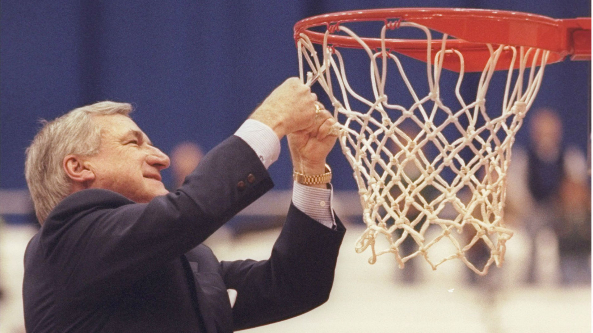 north-carolina-coach-dean-smith-in-1997_