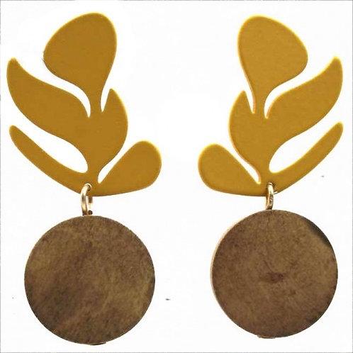 Metal Leaf with Wood Circle