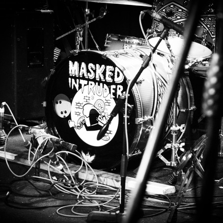 Masked Intruder Steals the Show at Lookout Lounge