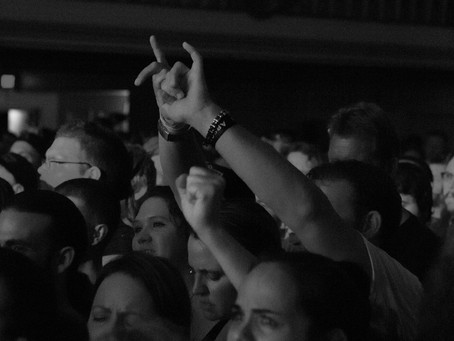 Seether, 10 Years, & The Dead Deads Shred at Sokol