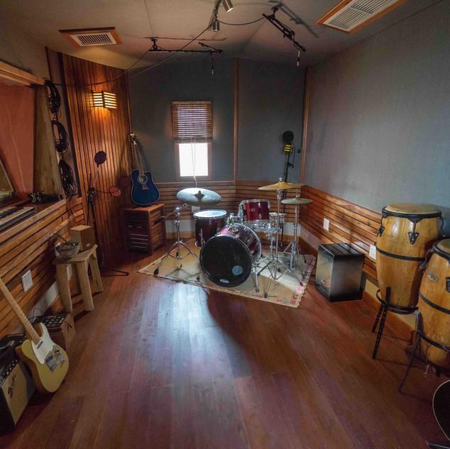 astudio live room.jpg