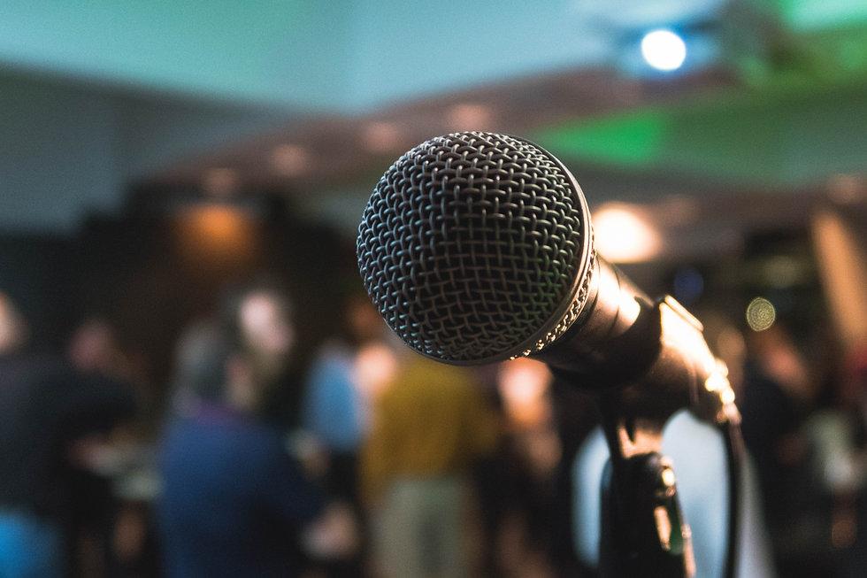 Microphone%20on%20a%20karaoke%20night_edited.jpg