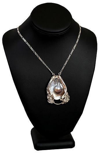 KelsoRaymond_Mabe necklace.jpg