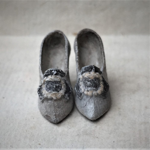 Early 19th Century Ladies shoes (ready for painting) with buckle