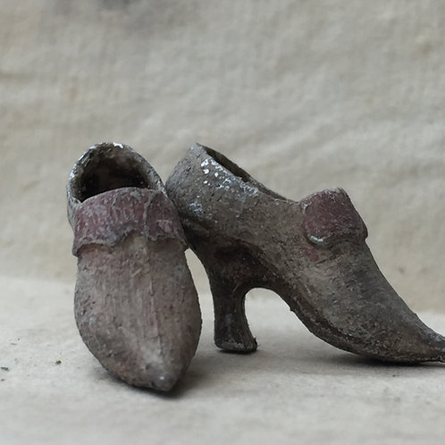 18th Century Ladies shoes (ready for painting) with band