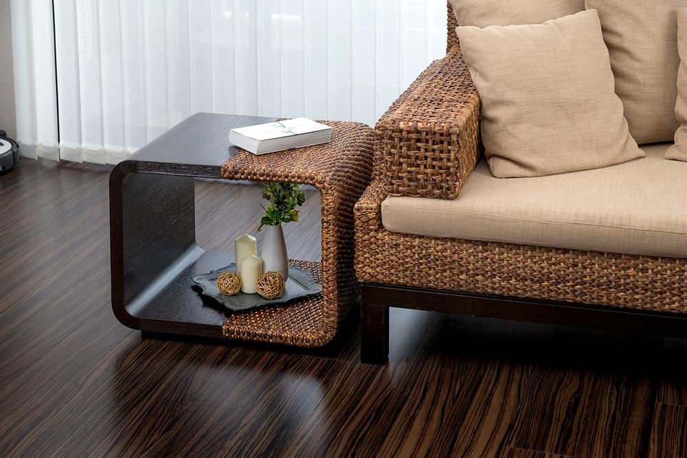 アジアン家具YOTHAKAのサイドテーブル
